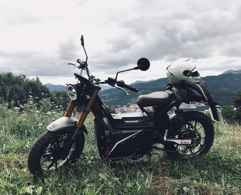 Nuuk tracker moto eléctrica
