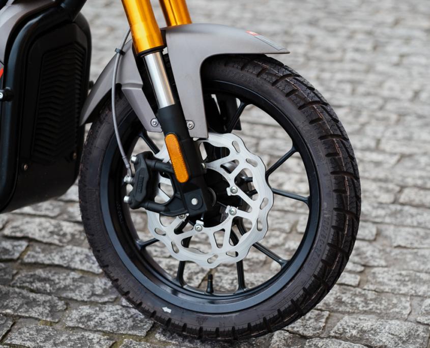 Neumático Rieju Nuuk Gen Tracker moto eléctrica